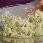 5 нискокалорични салати, с които няма да останете гладни, а талията ви ще е като на манекенка