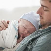 Трябва ли бащата да се хвали, че е от голяма помощ на майката, когато става нощем за бебето