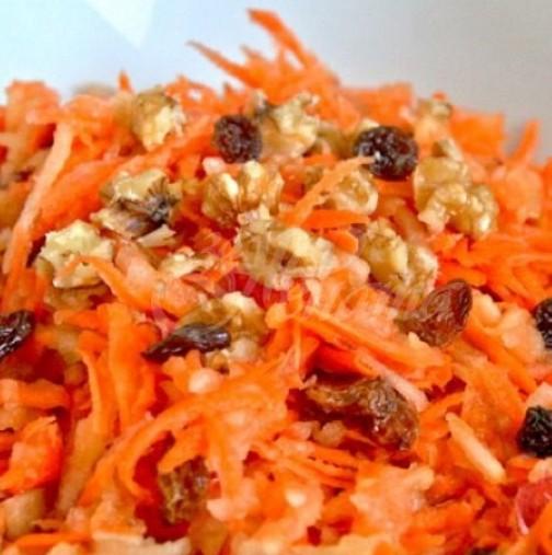 6 рецепти за нискокалорични салати с моркови- приготвянето им отнема минутки, а ползите са хиляди за тялото ви