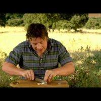 Джейми Оливър прави салата домати с чорисо