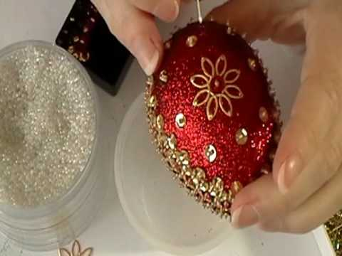 Как да боядисаме невероятно красиви яйца за Великден в червено и златисто