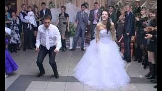 Ето това се казва сватбен танц!