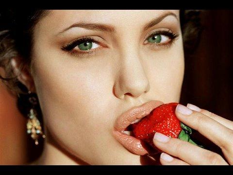 Как да си направим грим като Анджелина Джоли
