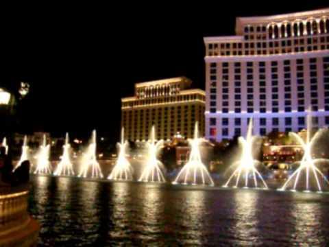 Фонтаните пред Bellagio в Лас Вегас -