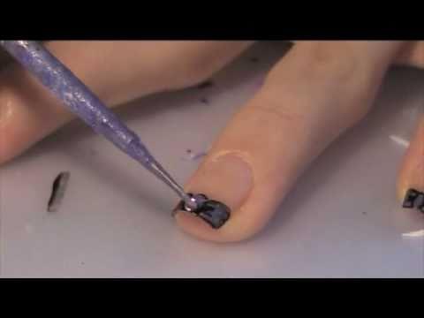 Как да си направим френски маникюр с връхчета панделки