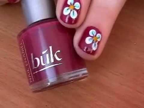 Как да си направим свеж пролетен маникюр с цвете