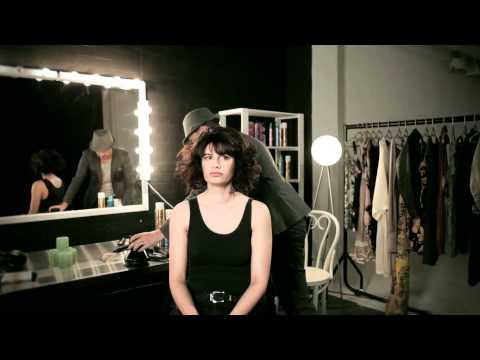 Как да си направим обемна прическа за къса коса
