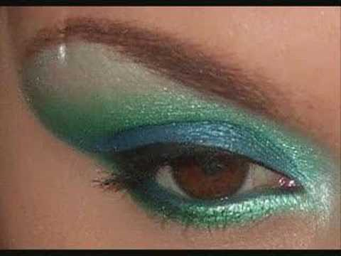 Как да си направим цветен грим в зелено и синьо
