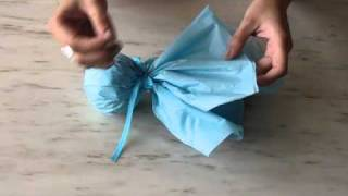Как да направим опаковка за подарък тип бонбон