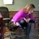 Как се прави офис йога-разтягане на краката