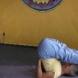 Йога стоеж на раменете за напреднали