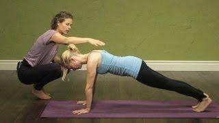 Йога терапия за раменете и врата