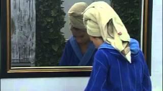 Мариана и Никол в банята