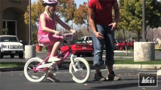 Как да се научи детето да кара колело