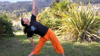 Йога упражнения видео