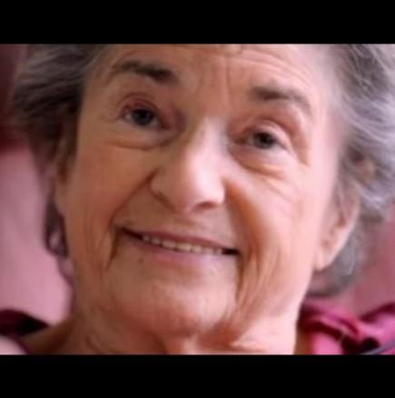 Баба на 85 години работи като проститутка
