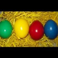 Боядисване на яйца със сметана, вместо пяна за бръснене