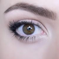 Как да се гримираме, за да изглеждат очите и по-големи