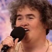 Сюзън Бойл пее
