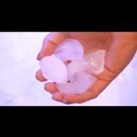 Как да изгладим дрехите без ютия - трябват само лед и сушилня