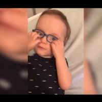 С помощта на очила това дете вижда за пръв път