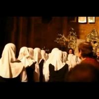 Група мюсюлманки влязоха в църква