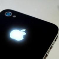 Как да направим така, че ябълката на iPhone да свети