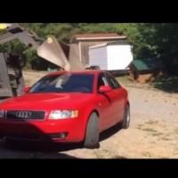 Баща смачка колата на дъщеря си