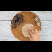 Шоколадови бонбони със сушени сливи