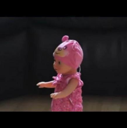 Мама купи кукла която псува