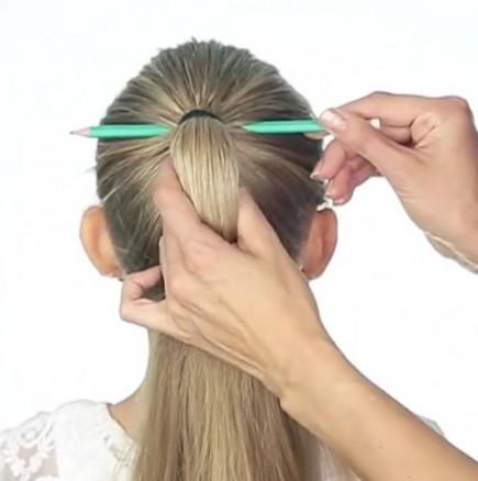 Красива плитка за косата с помощта на молив