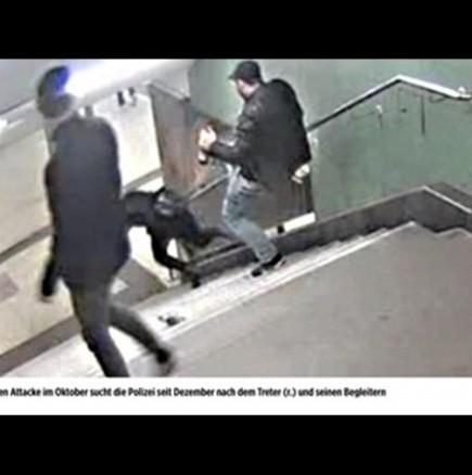 Българин е хулиганът, ритнал жената в метрото на Берлин