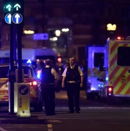 Лондон осъмна окървавен