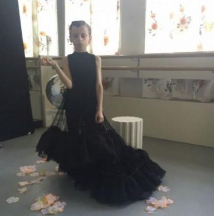 10-годишен трансджендър дефилира на Седмицата на модата