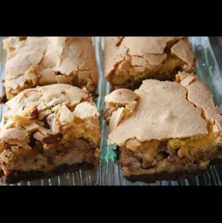 Ябълков сладкиш с бисквити