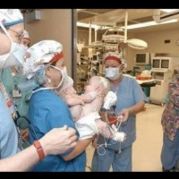 Виждайки как изглеждат, родителите веднага изоставят новородените си бебета