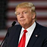 Всички се чудеха, дали Тръмп носи перука