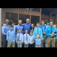 Семейство с 13 момчета очаква 14-о бебе