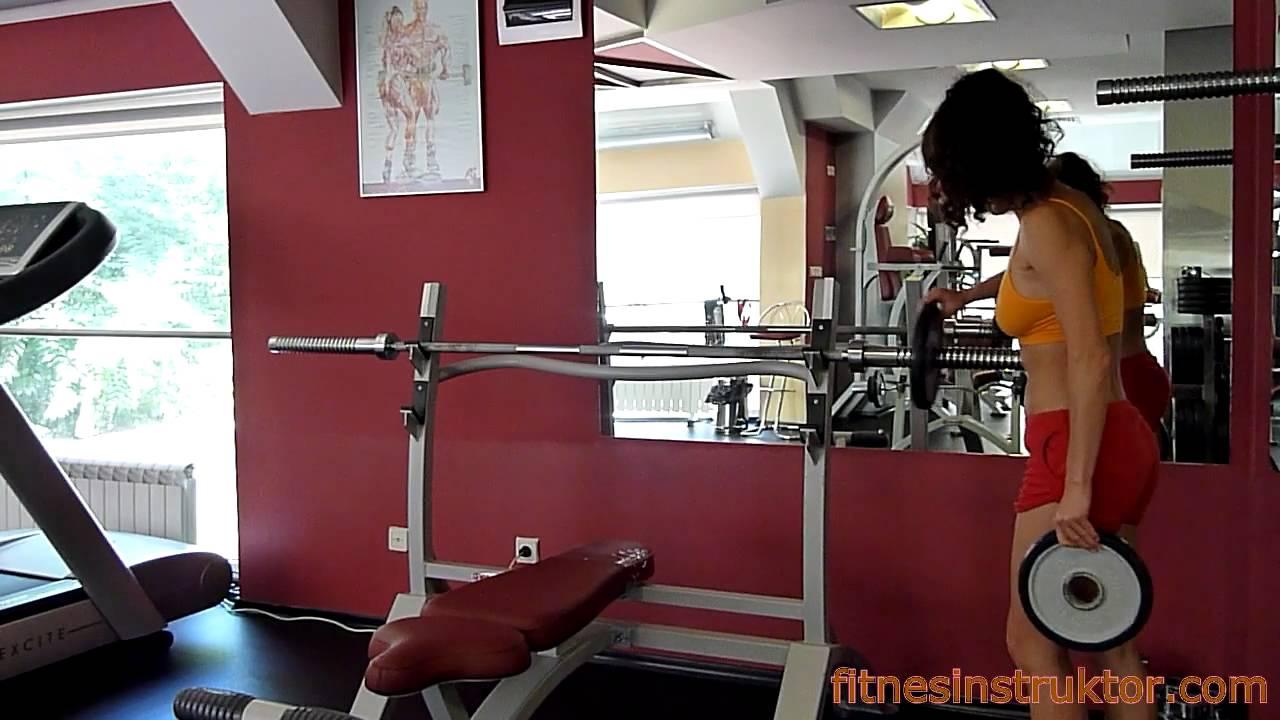 Упражнения във фитнес за жени