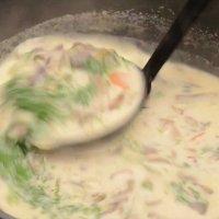 Свежа гъбена супа с ориз
