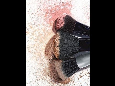 Как да изчистим четките си за грим за 60 секунди