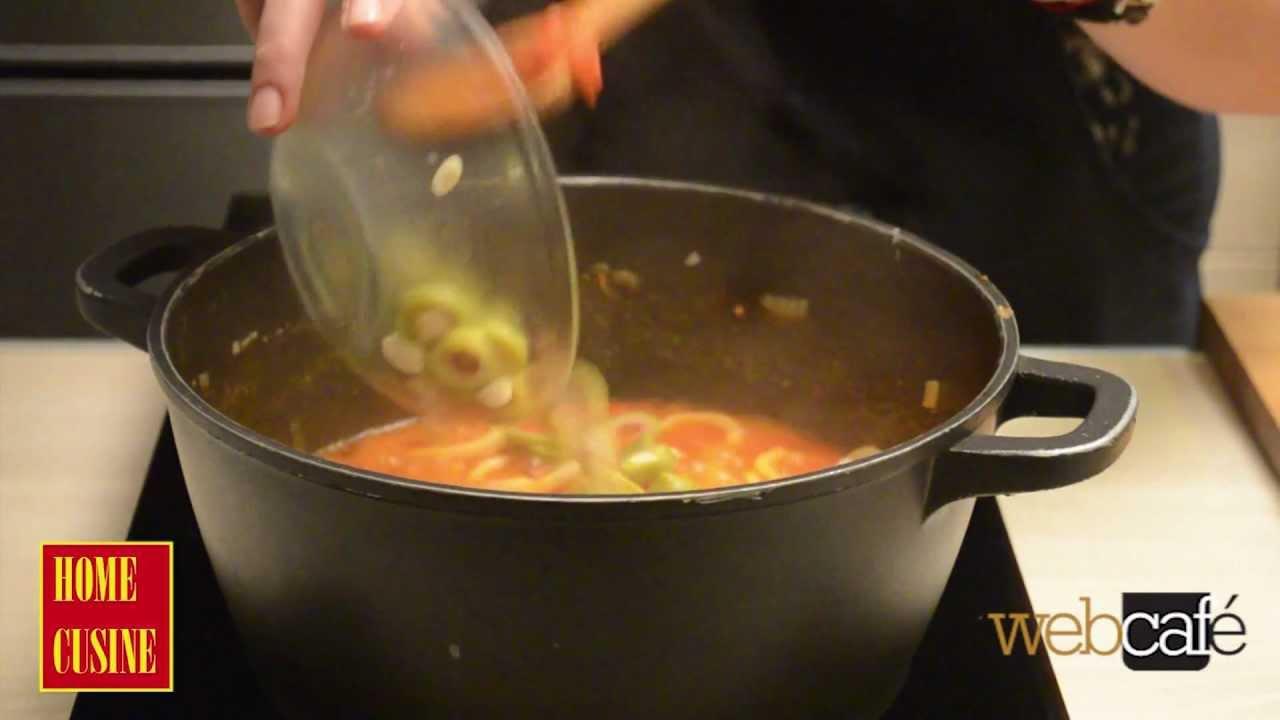 Екзотична рецепта за калмари с доматен сос
