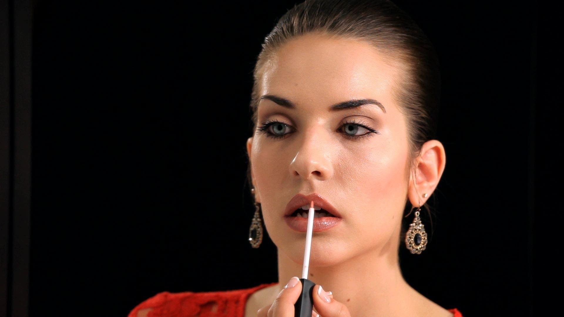Как да се гримираме и да имаме плътни устни