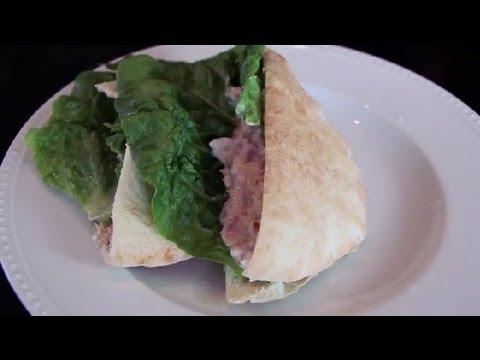 Бърз сандвич с риба тон