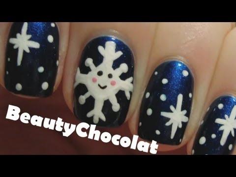 Коледни нокти със снежинки