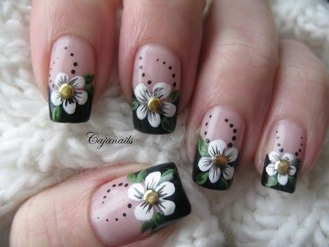Красив френски маникюр с цветя