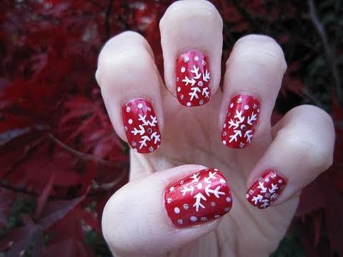 Зимни снежинки на ноктите