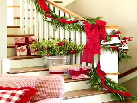 Идеи за Коледна декорация на стълбите
