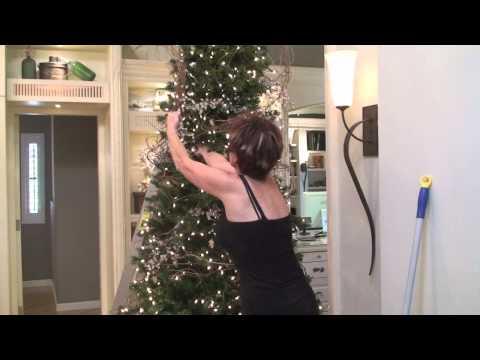 Интересна декорация на Коледно дърво