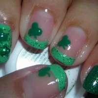 Лак в зелено